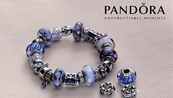 gioielli-pandora-bracciali-con-charms-colorati