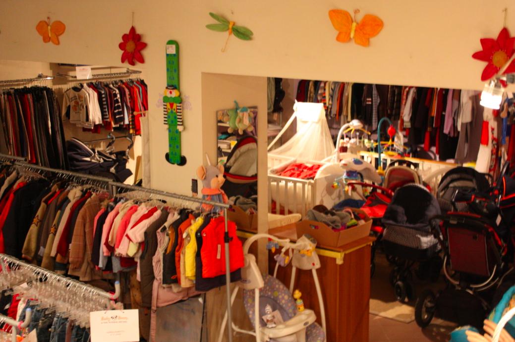 negozio-vestiti-attrezzature-usato-bambini-milano-babyboom