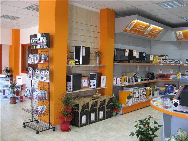 franchising_Computer Discount_12084815052010_IMG_1641